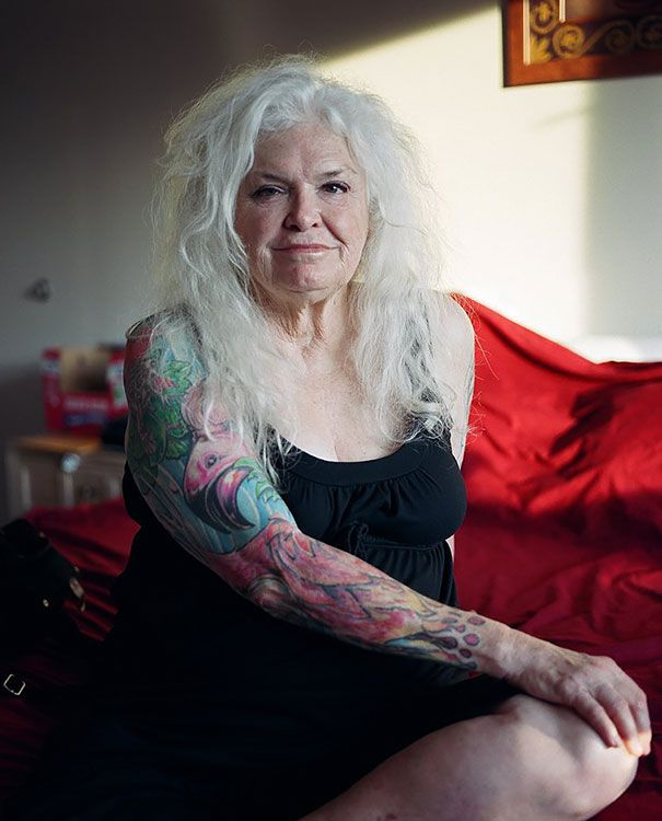 tattooed-elderly-people-24__605