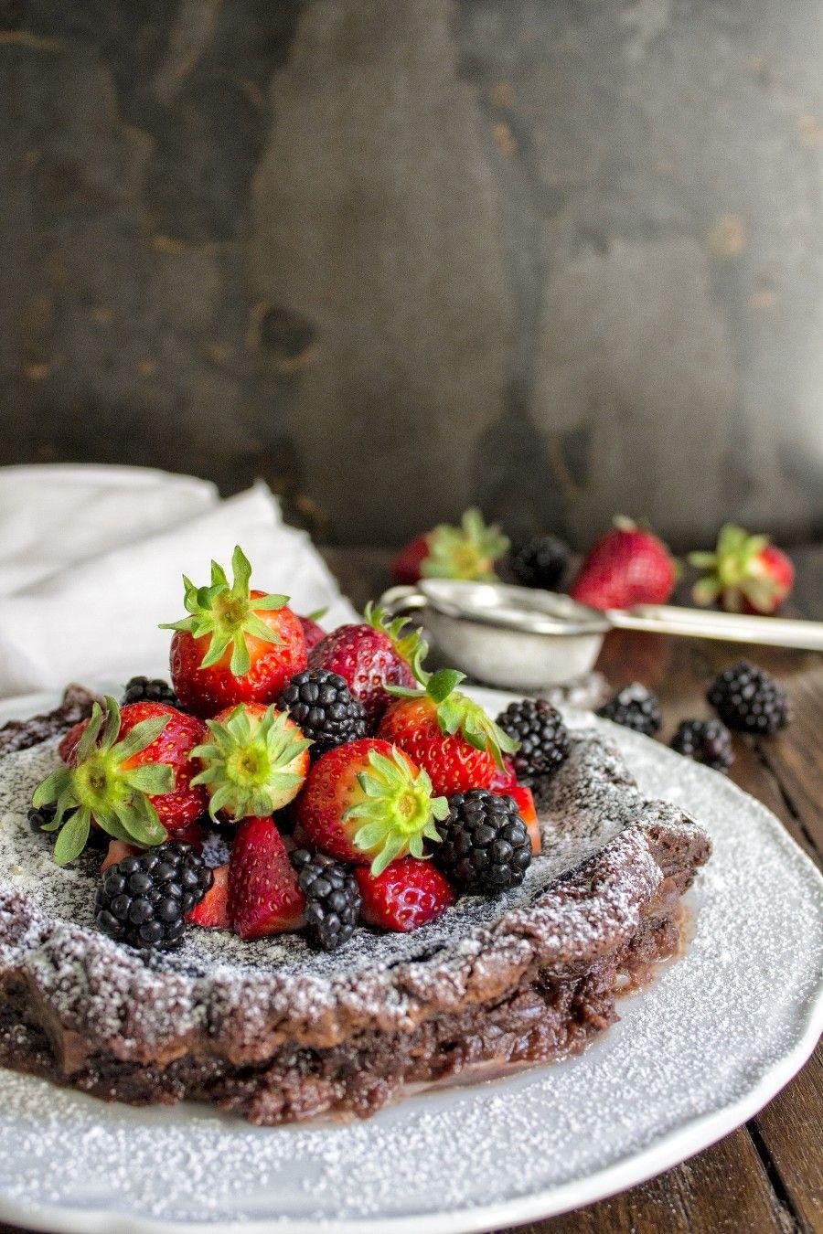 torta-al-cioccolato-fondente-fragole-4-contemporaneo-food