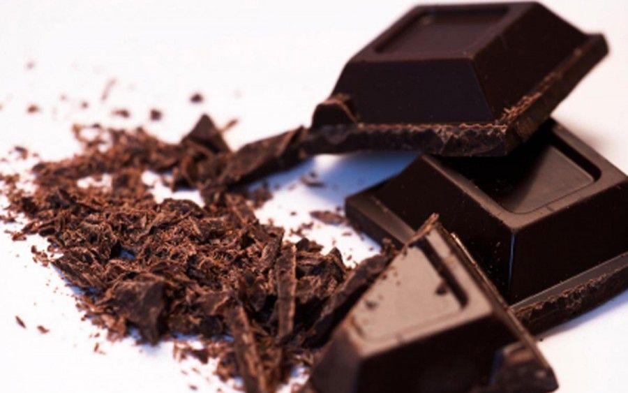 Cioccolata-fondente-5-benefici-che-ha-sul-nostro-fisico-1200x750