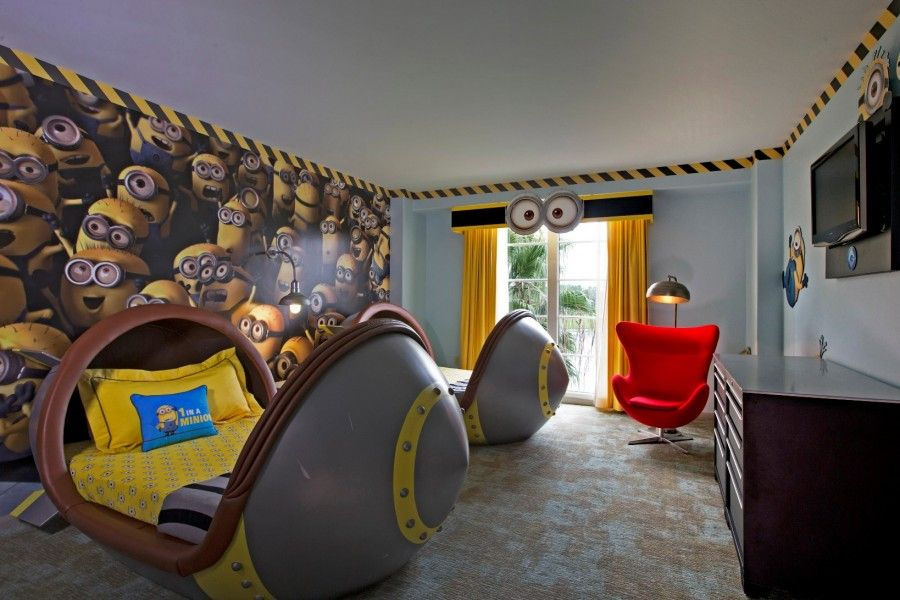 Despicable Me Kids Suitelr