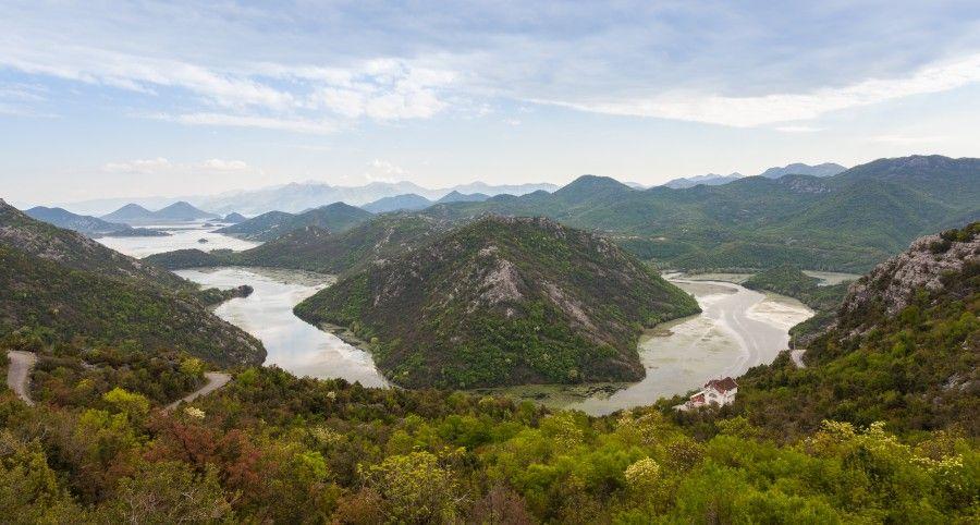 Lago_Skadar,_Montenegro,_2014-04-14,_DD_01