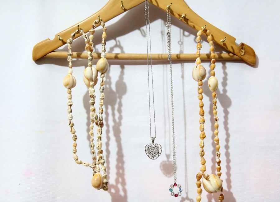 Make-a-Necklace-Holder-from-a-Wooden-Hanger-Intro