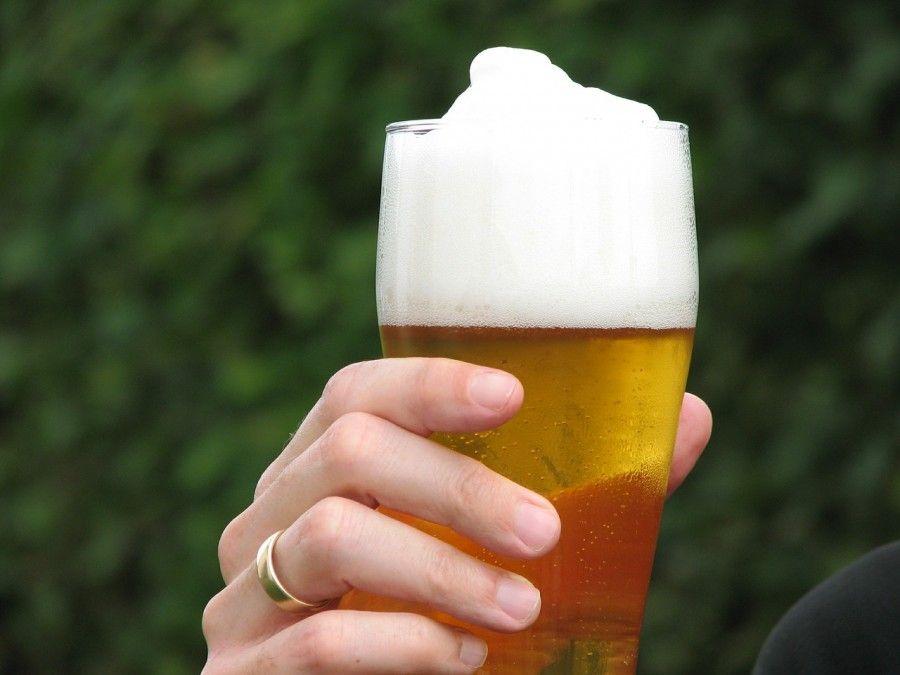 Il bicchiere influenza la nostra attitudine a bere