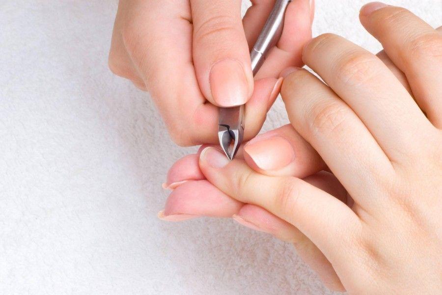 come-fare-una-manicure-a-casa_f4ebfddd2d8cda5ce79792efe5d8d307