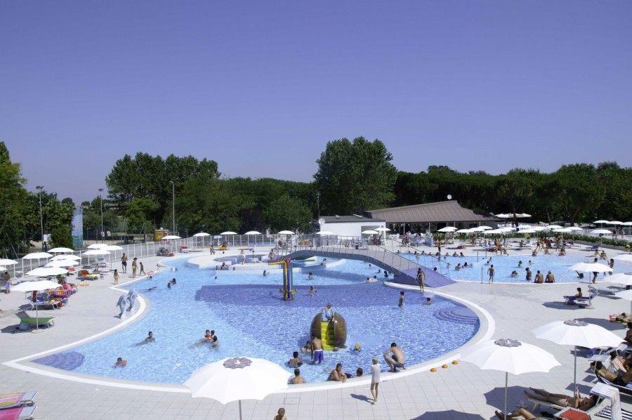 la-nostra-nuova-piscina