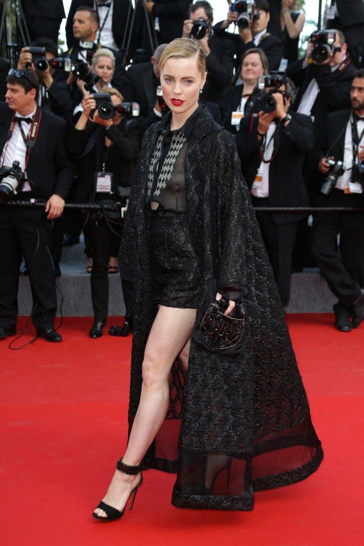 Melissa George indossa un abito di Schiaparelli