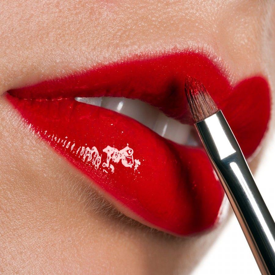 red-lips-lipstick-lipgloss