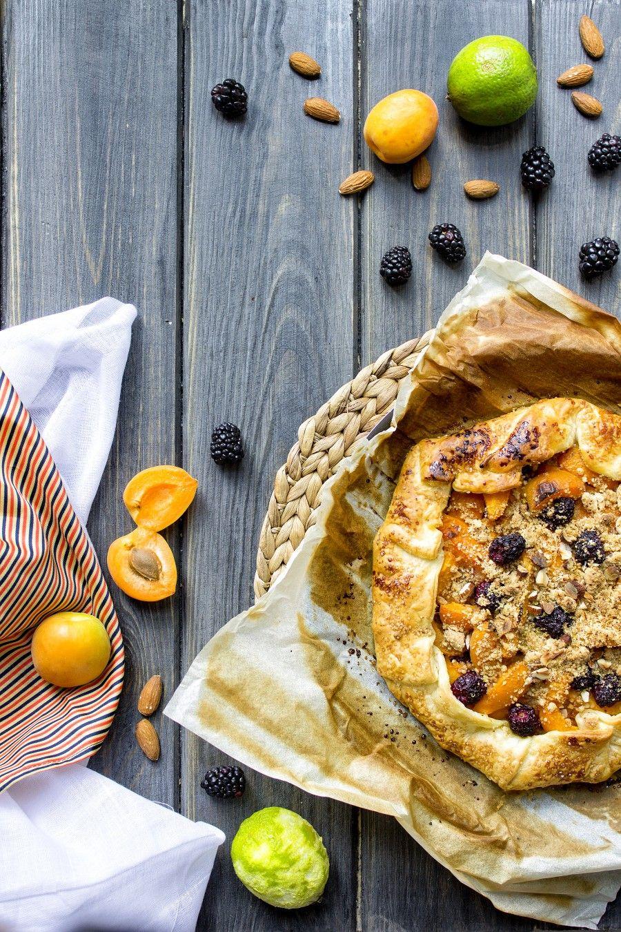 sfoglia-con-albicocche-e-more-ricette-facili-dolci-con-la-frutta-contemporaneo-food