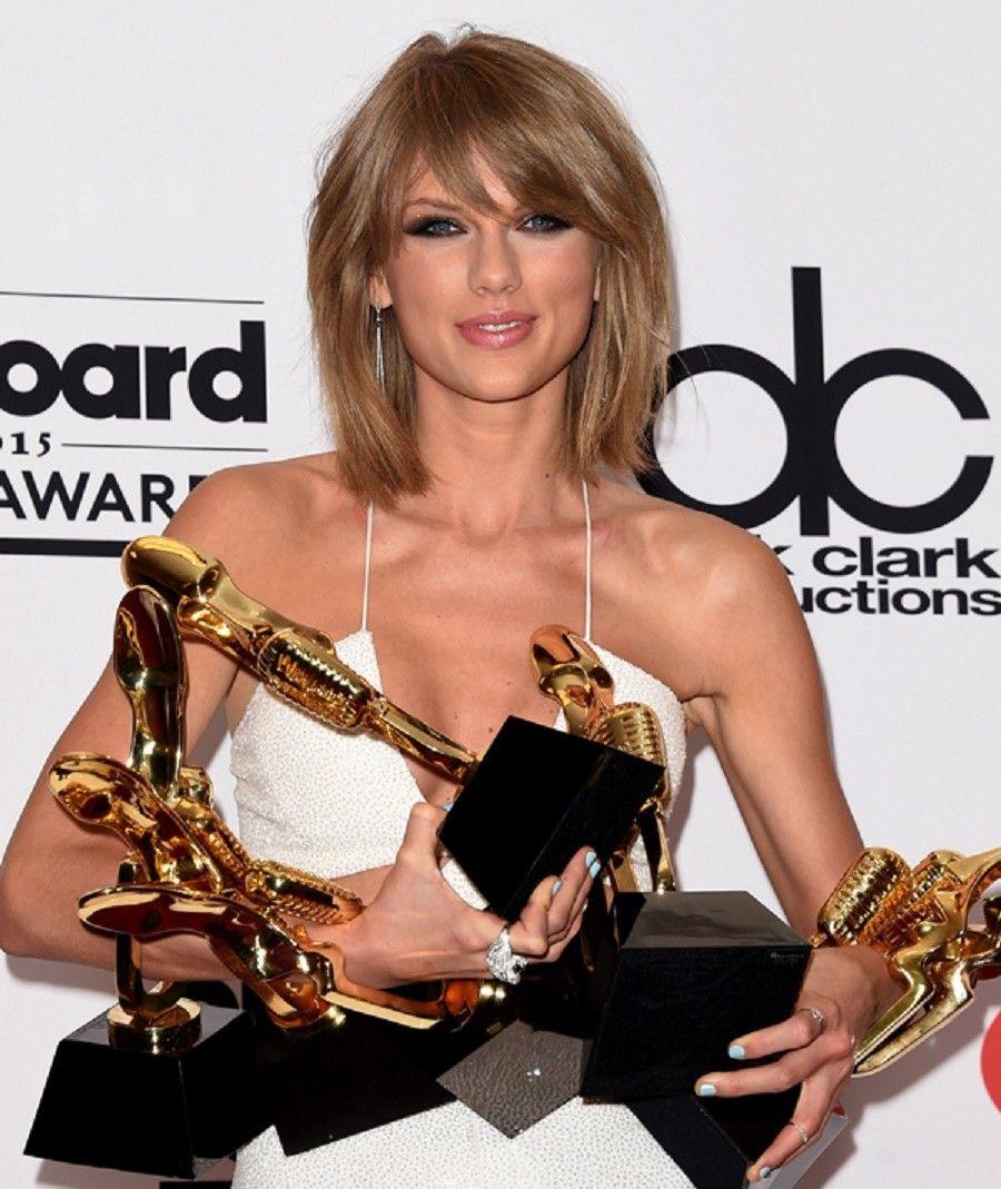 Taylor Swift premiati con 7 Billboard Music Awards 2015