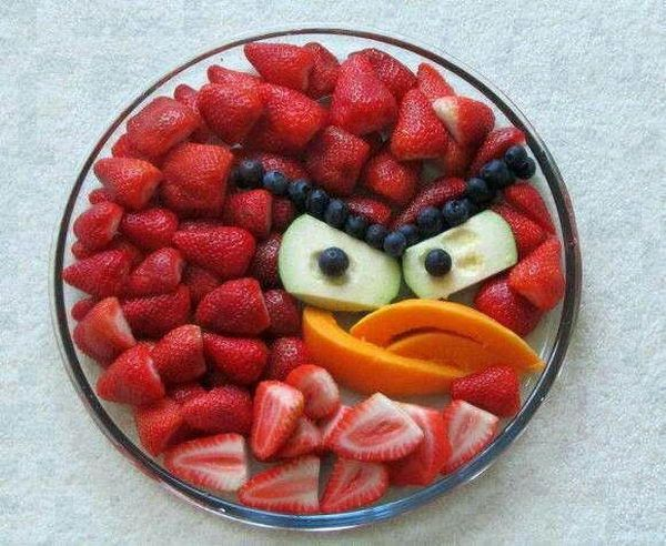 1-angry-bird-fruit-arrangement