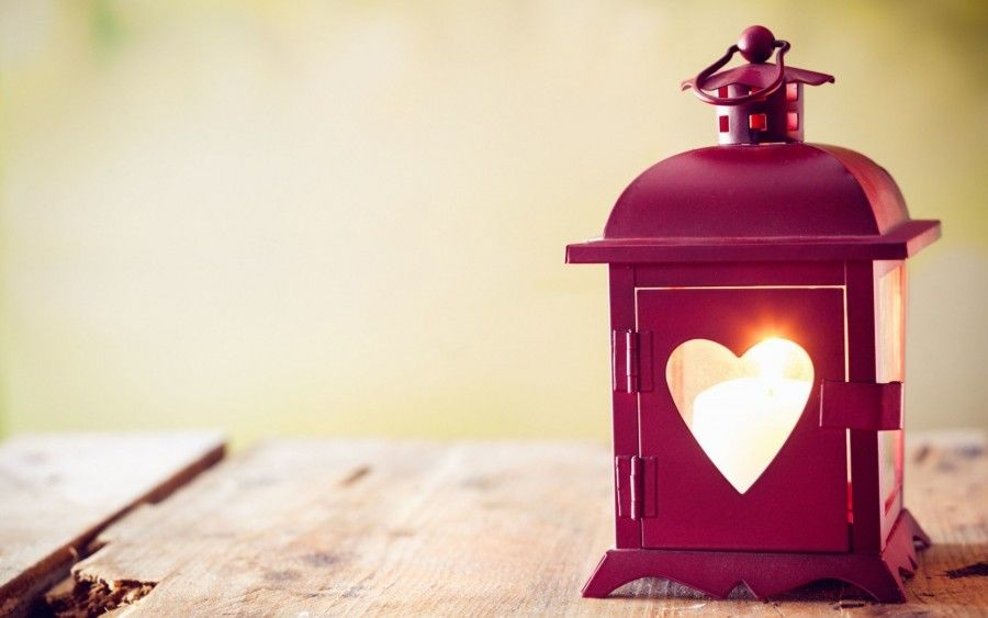 Candle-Flame-Lantern-Flashlight-Heart-Table-Full-HD-Desktop
