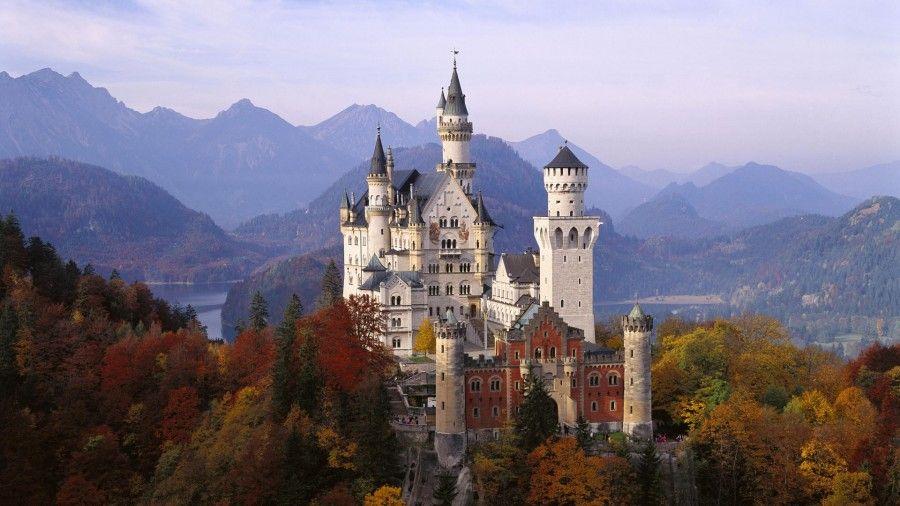 autumn-neuschwanstein-castle-germany