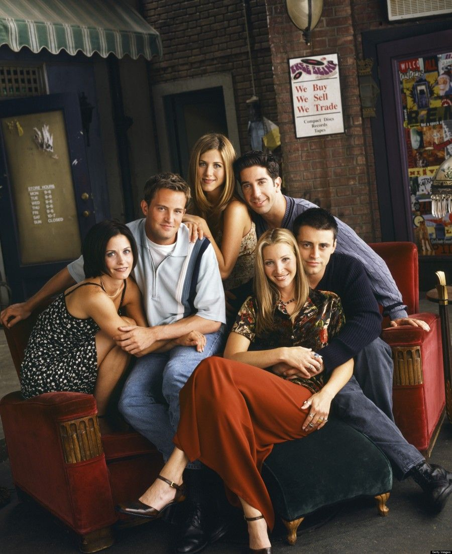 FRIENDS -- Pictured: (clockwise l-r) Courteney Cox as Monica Geller, Matthew Perry as Chandler Bing, Jennifer Aniston as Rachel Green, David Schwimmer as Ross Geller, Matt LeBlanc as Joey Tribbiani, Lisa Kudrow as Phoebe Buffay  (Photo by Jon Ragel/NBC/NBCU Photo Bank via Getty Images)