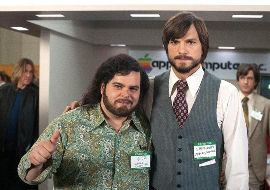 Ashton Kutcher Josh Gad Photo