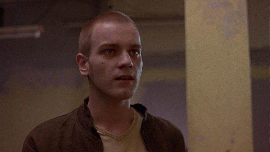 still-of-ewan-mcgregor-in-trainspotting-(1996)-large-picture