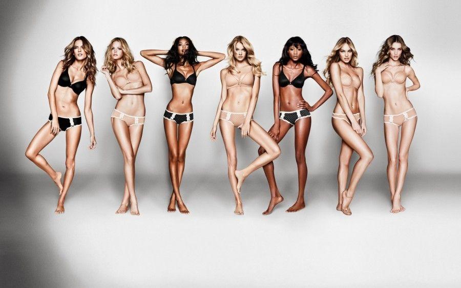 Gli angeli di Victoria's Secret in lingerie