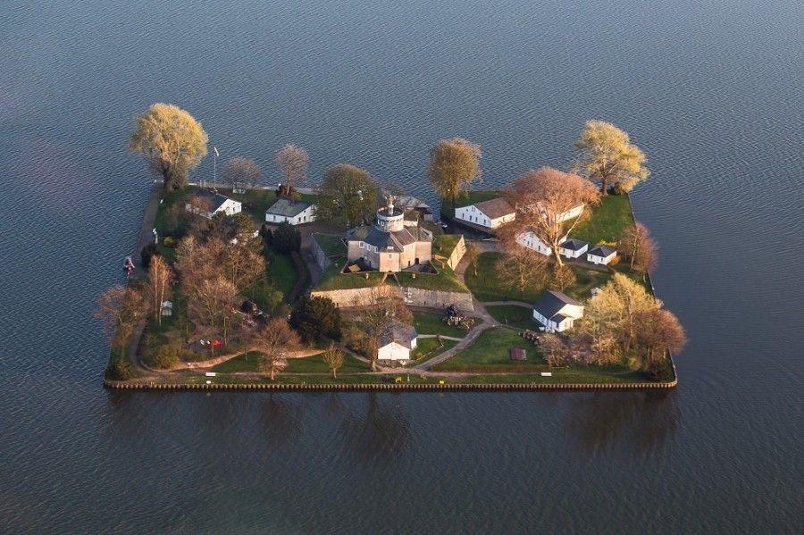 08Wilhelmstein Island