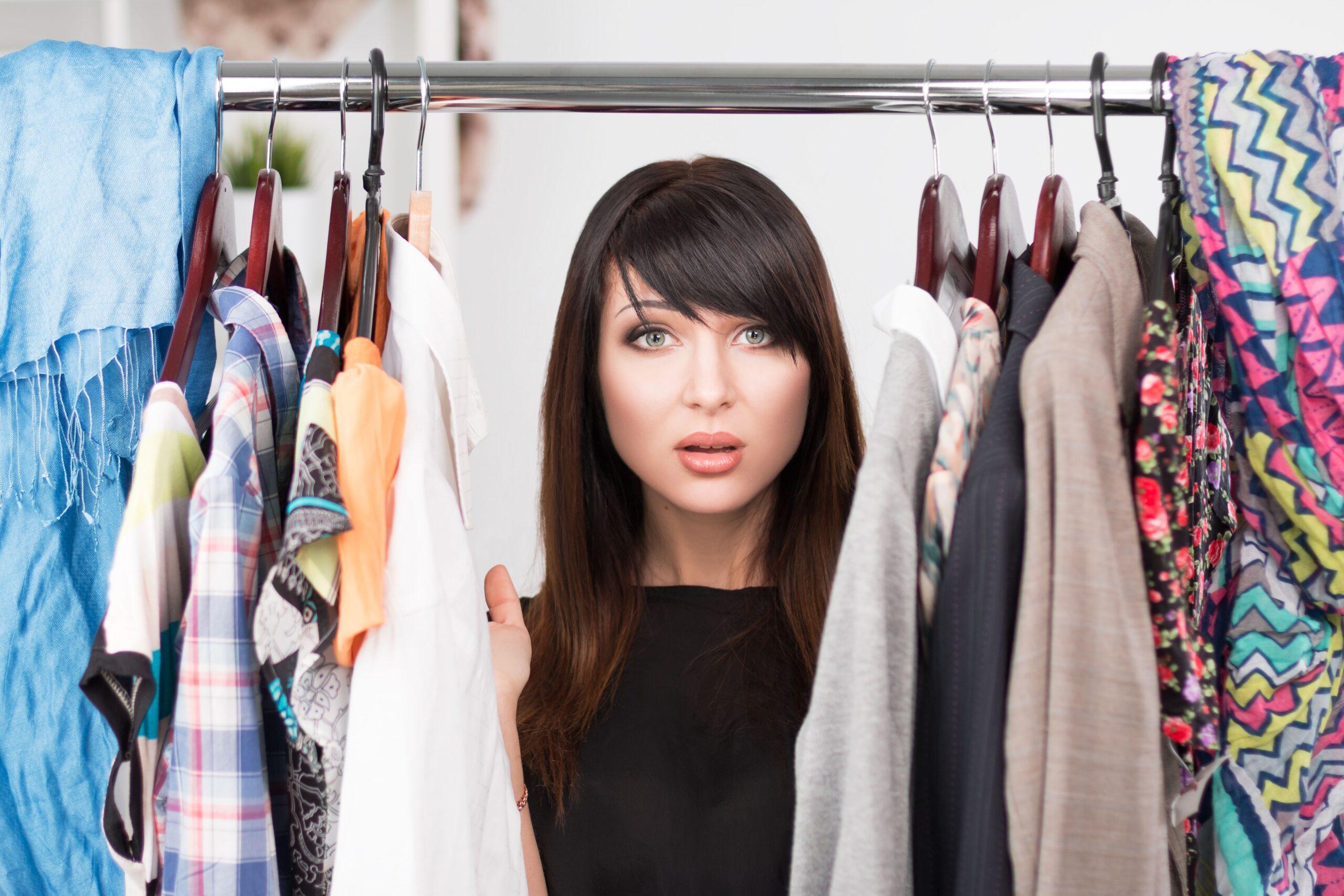 Come conservare al meglio gli abiti nell'armadio