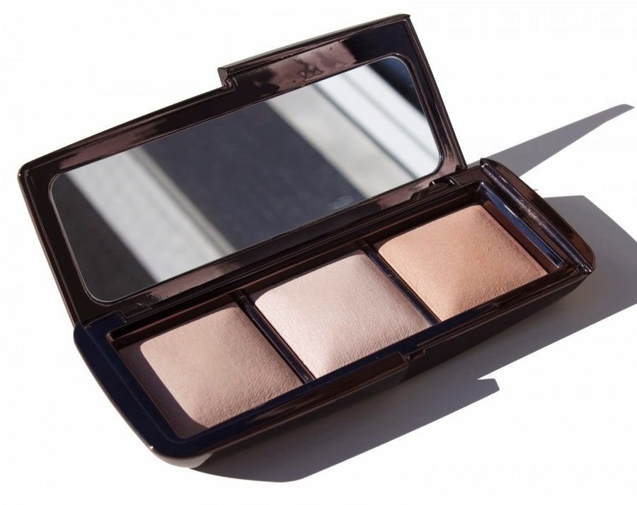 Hourglass-Cosmetics-Ambient-Lighting-Palette