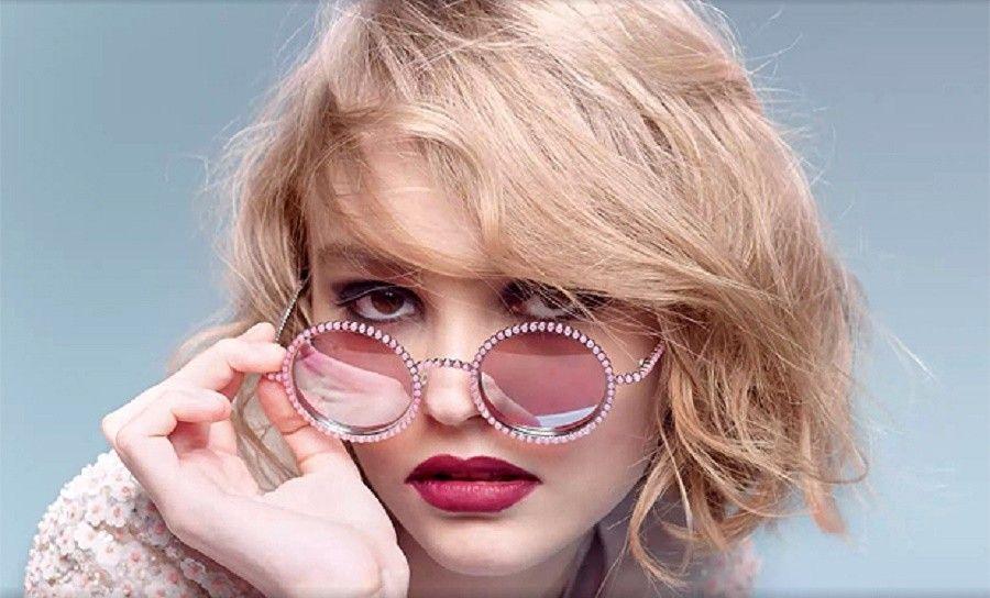 Lily-Rose-Depp-chanel