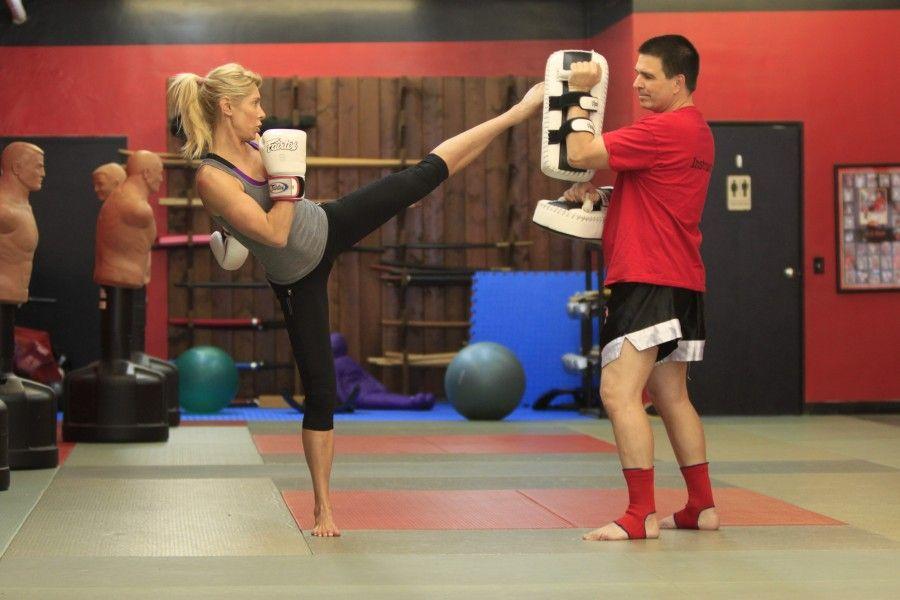Come perdere peso con il kick boxing bigodino - Allenamento kick boxing a casa ...