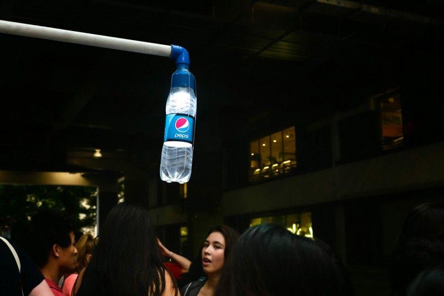 Liter of light bottiglie di plastica per illuminare gli angoli
