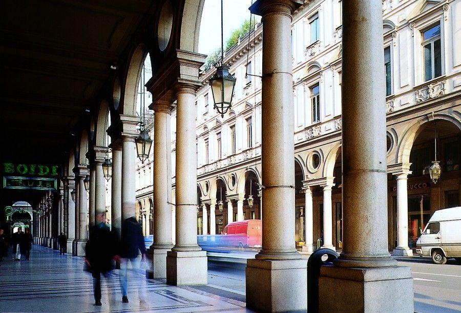 Portici via Roma