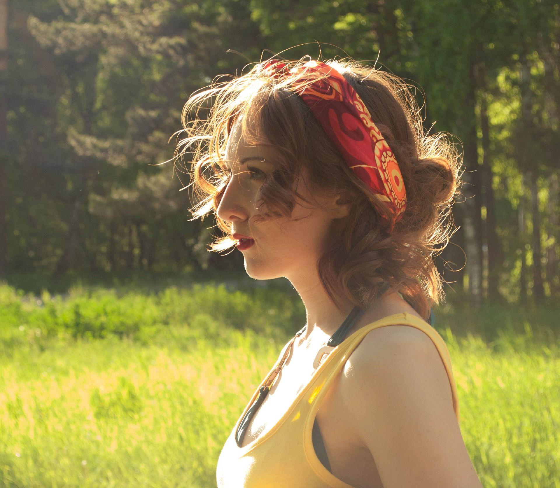Com'è cambiato lo stile dei capelli delle donne in un secolo