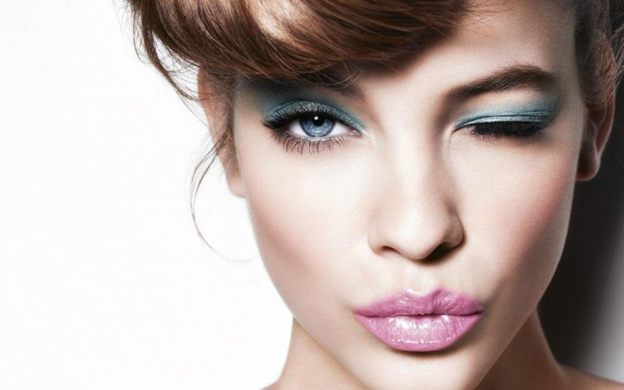 blue-eyes-makeup-eyes-1806751350