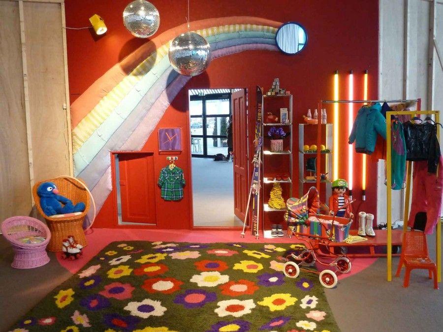 camera-bambini-arcobaleno