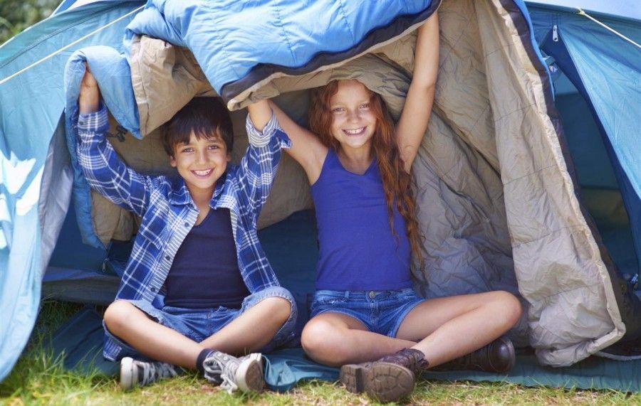 attrezzatura per campeggio con bambini