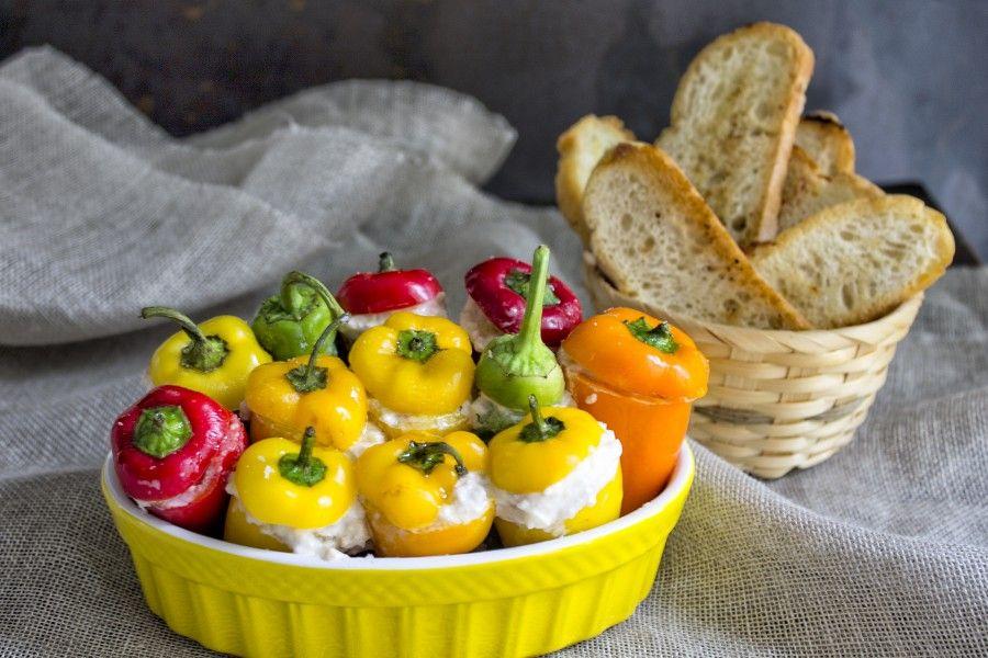 peperoni-ripieni-al-forno-tonno-stracciatella-burrata-contemporaneo-food