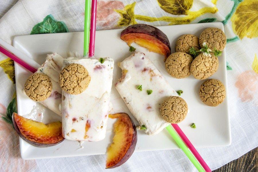 stecco-gelato-yogurt-pesca-amaretti-contemporaneo-food