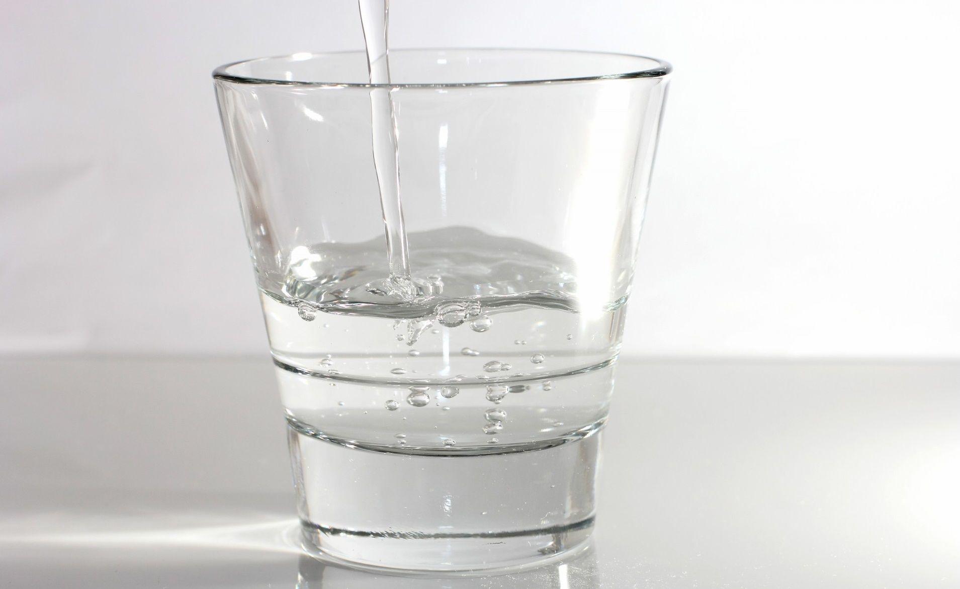 Come dimagrire bevendo l'acqua
