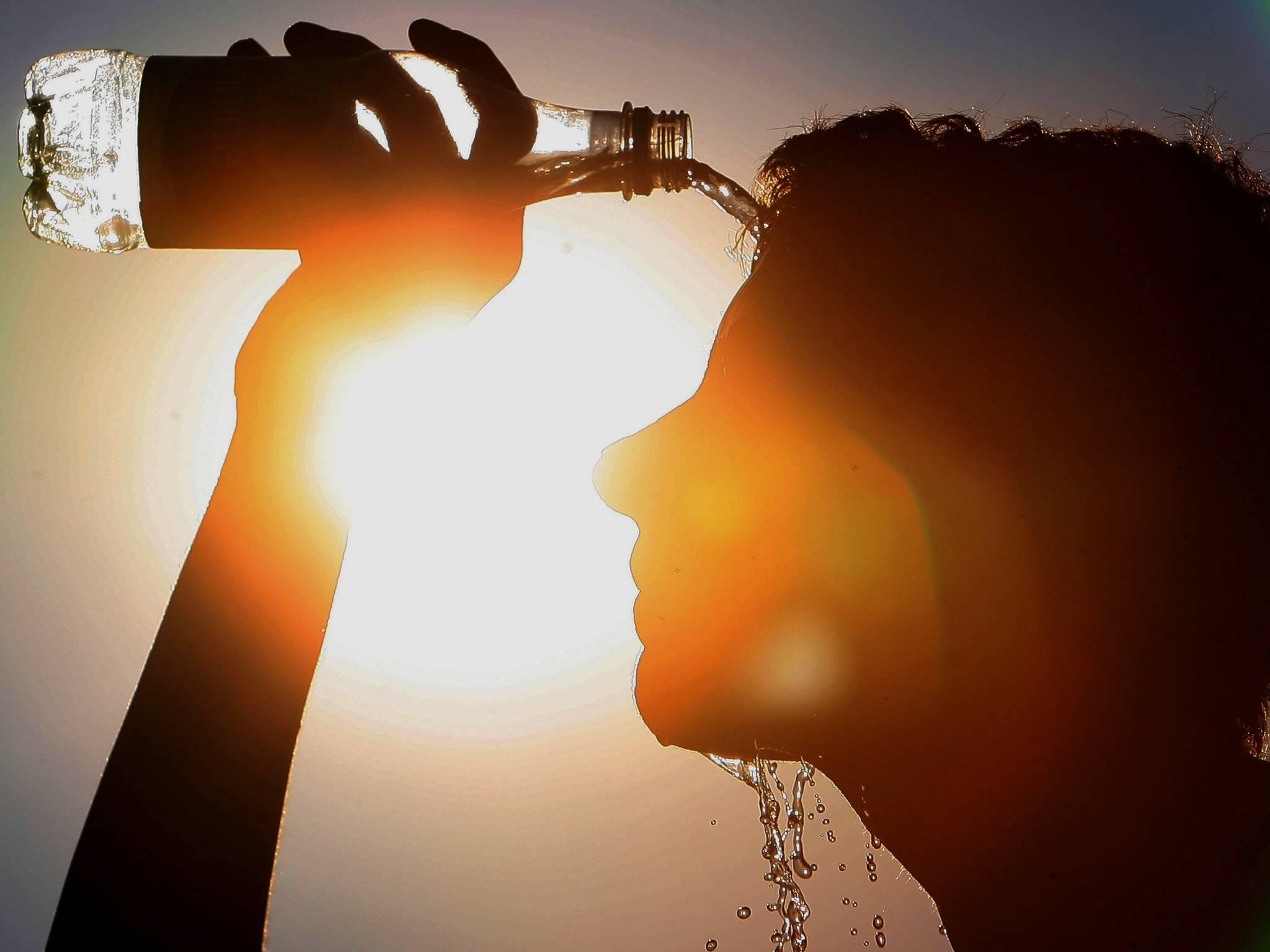 6 consigli per sopravvivere all'afa estiva notturna senza aria condizionata