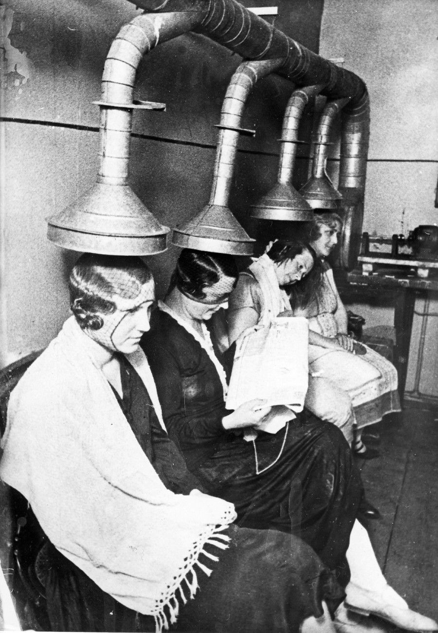 (GERMANY OUT) Russia; Moscow; women sitting under a hair dryer in a hairdresser; taken by Emil Strassberg - 1933 (Photo by Emil Strassberg/ullstein bild via Getty Images)