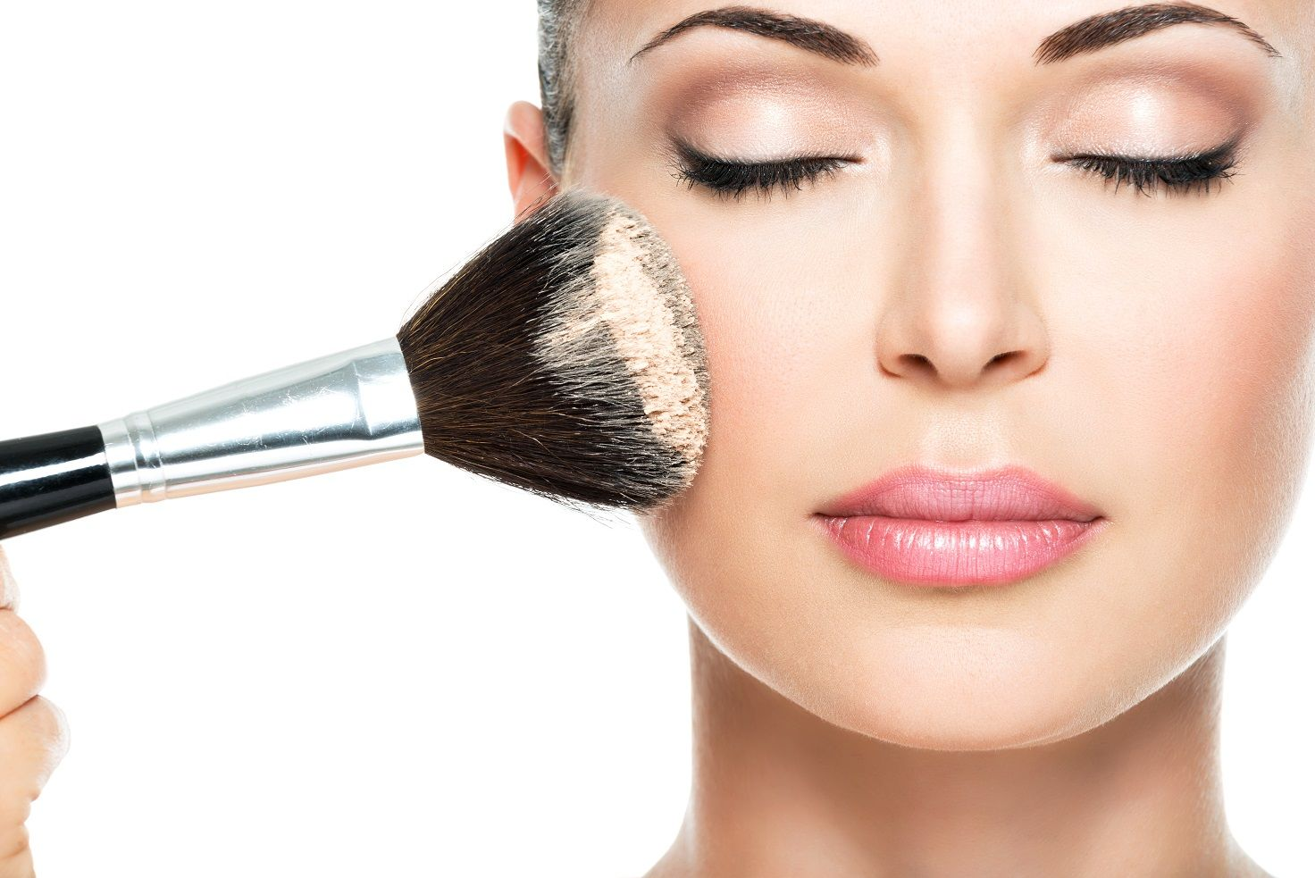 Baking, strobing e contouring? Le ultime novità make up 2015