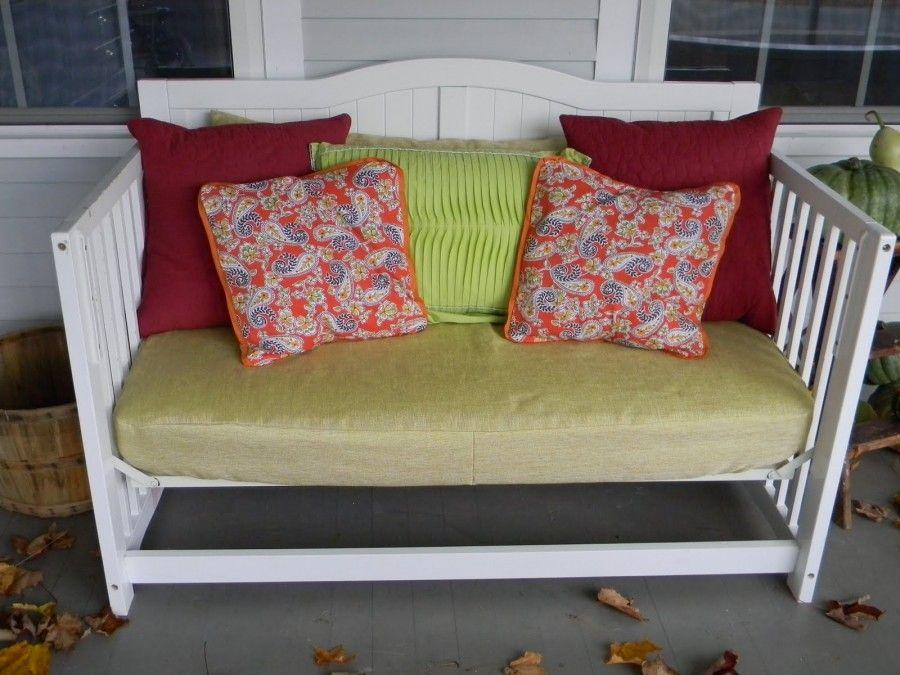 riciclare-lettini-divano-esterno