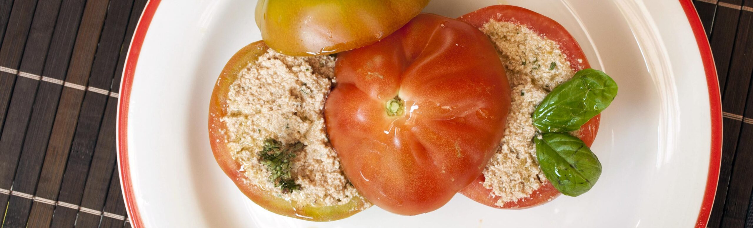 La ricetta dei pomodori freddi ripieni