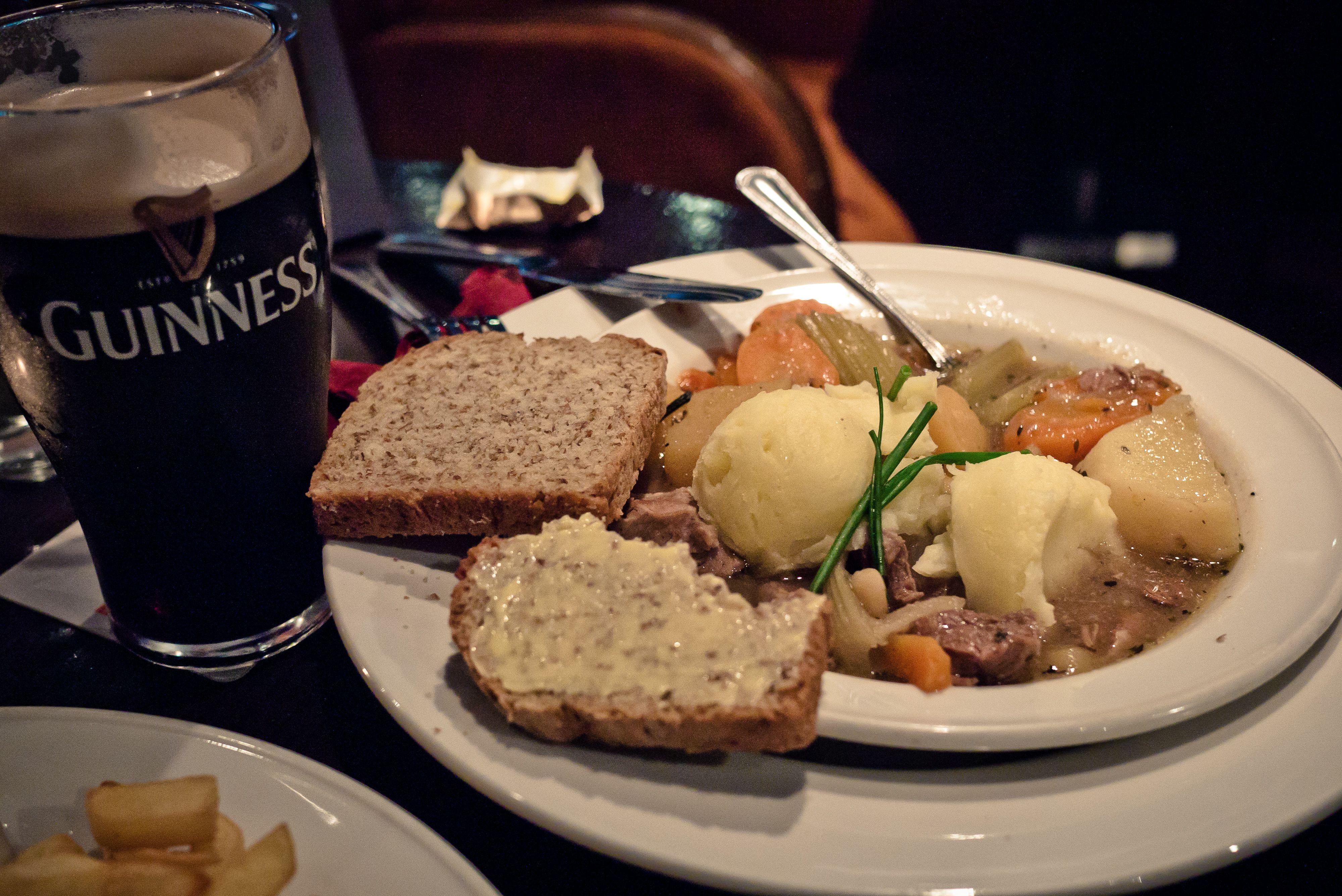 Senza dimenticare il tipico Irish Stew e Guinness...
