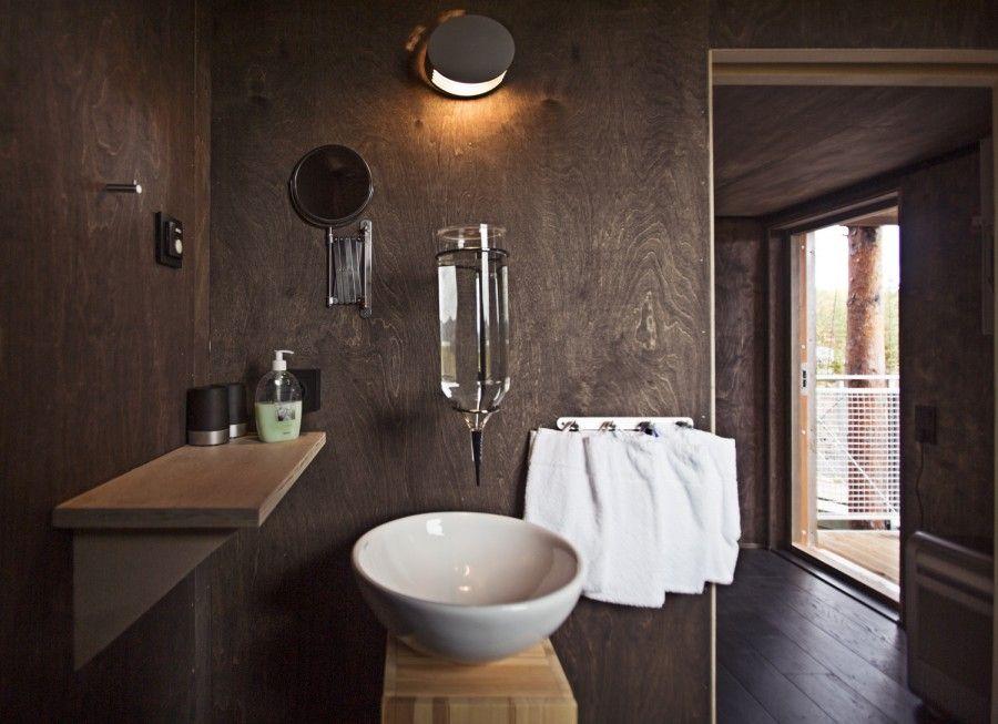 DragonFly_toilet_creditPeter-Lundstrom-WDO-www.treehotel.se_