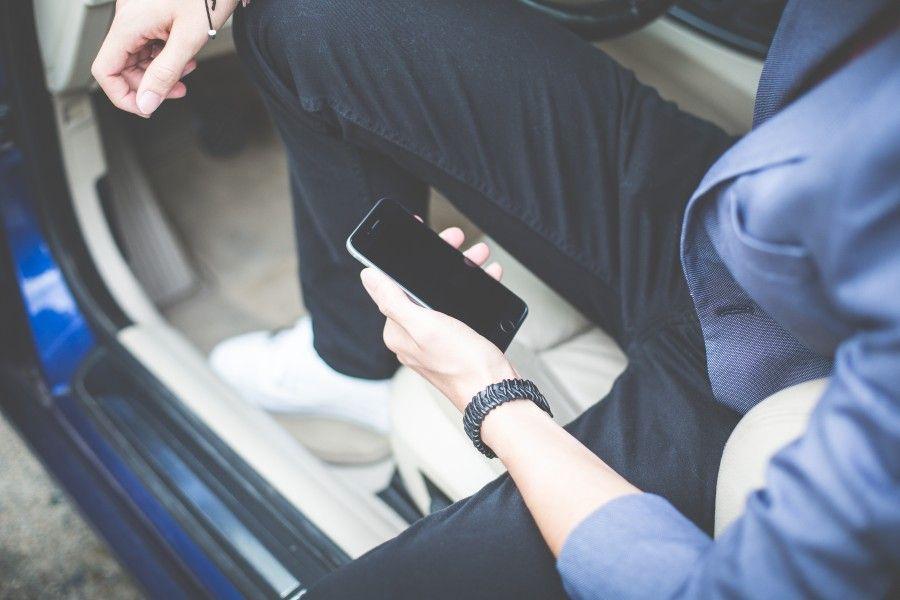Smartphone alla mano