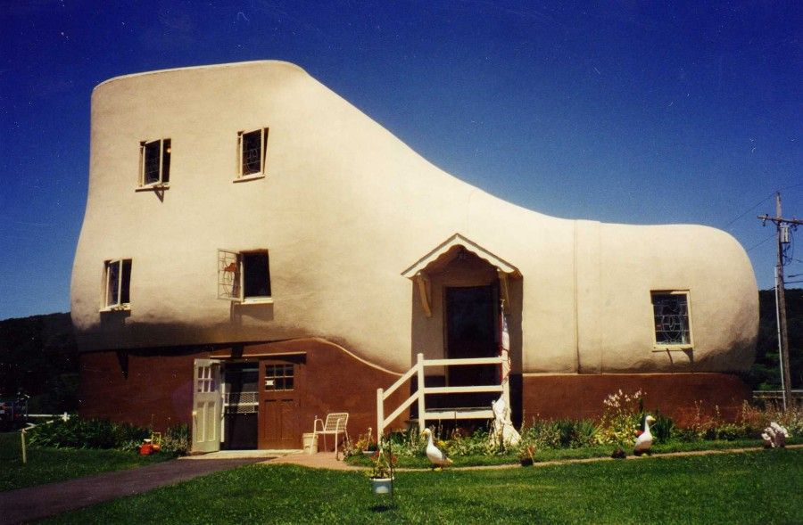 case-strane-shoe house