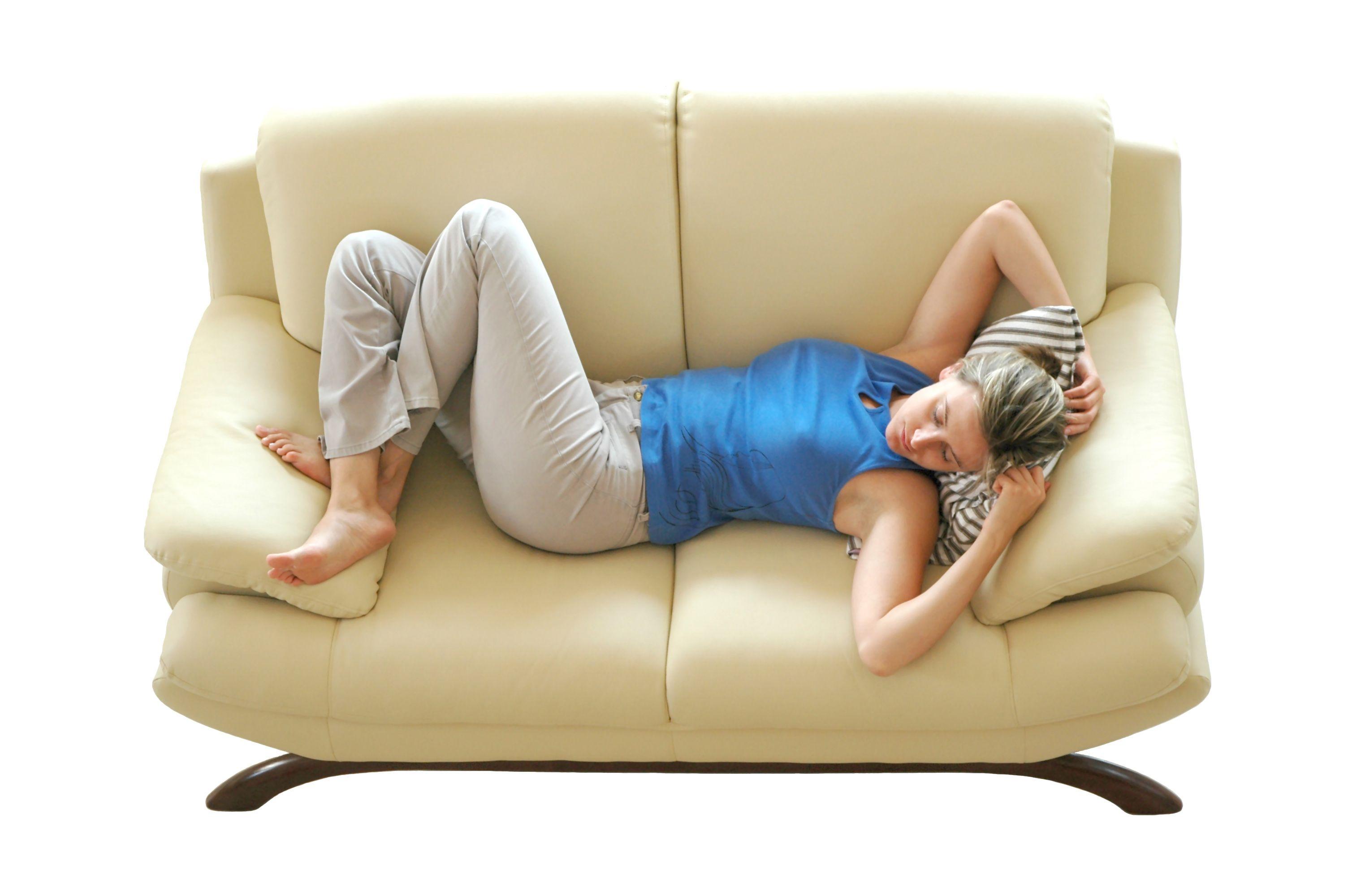 dormire-sul-divano