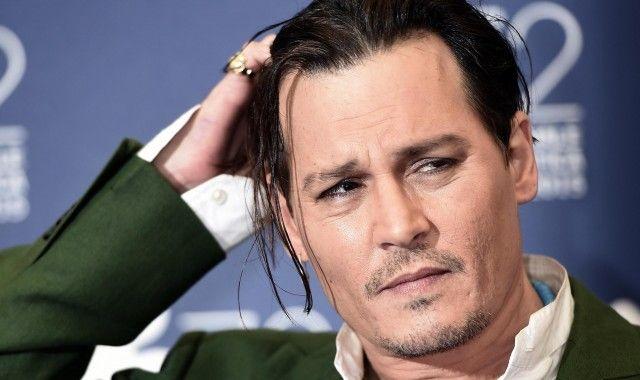 Johnny Depp è matto in Alice attraverso lo specchio: pagato 48 milioni di dollari