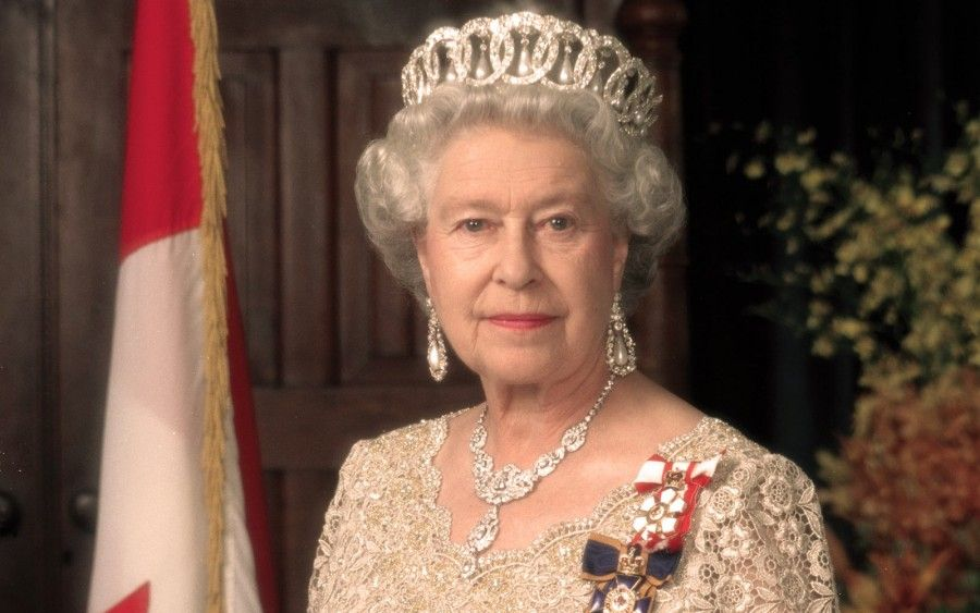 regina-elisabetta-corona