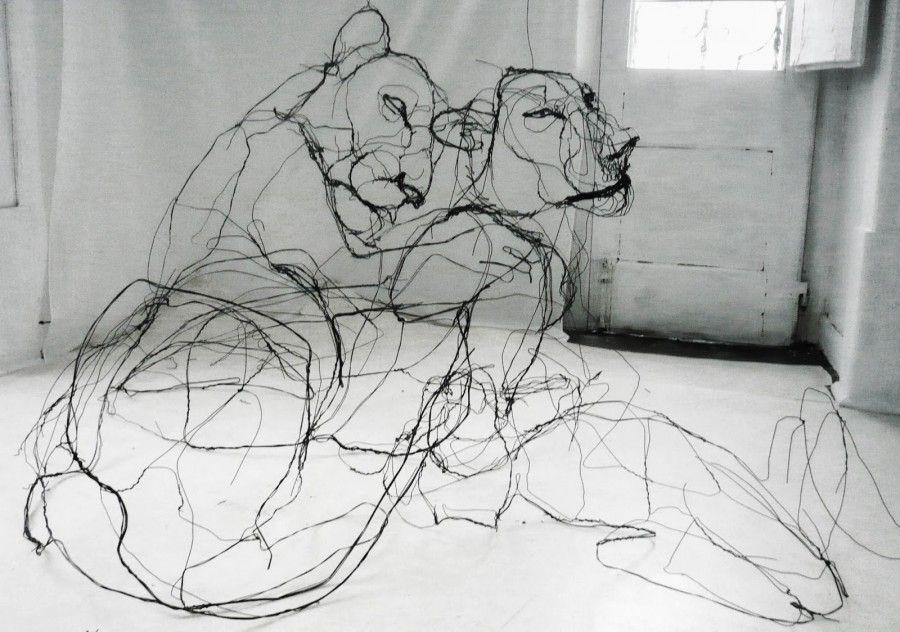 David Oliveira disegna nell'aria