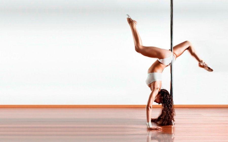 10 motivi per cui dovresti provare la pole dance bigodino. Black Bedroom Furniture Sets. Home Design Ideas