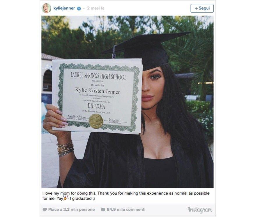 5kylie-jenner-diploma