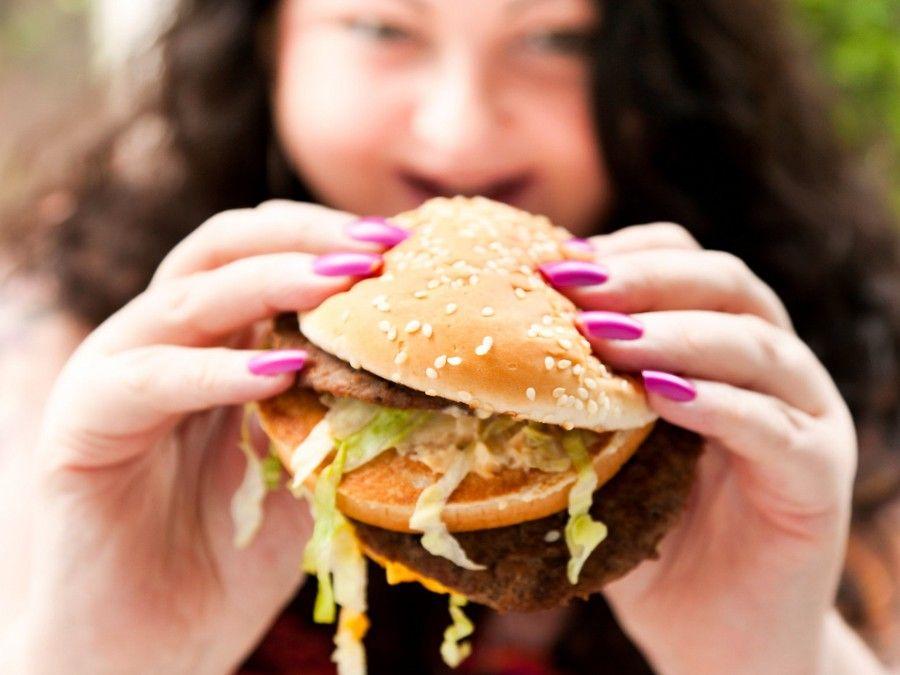 6 eat hamburger